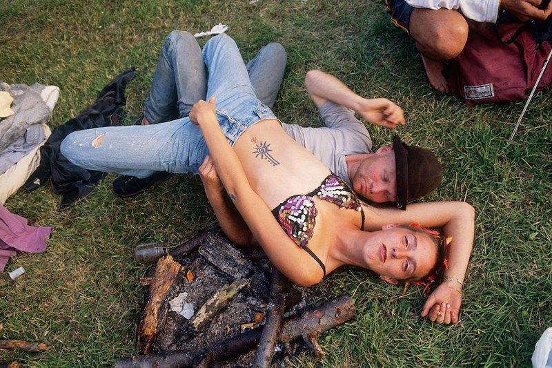 Бесконечное лето: Кочевая жизнь рейверов 1990-х. Изображение № 8.