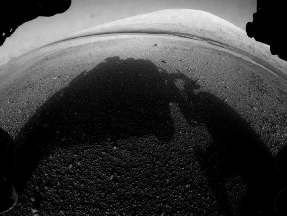 10 фотографий с марсохода Curiosity и поверхности Красной планеты. Изображение №2.
