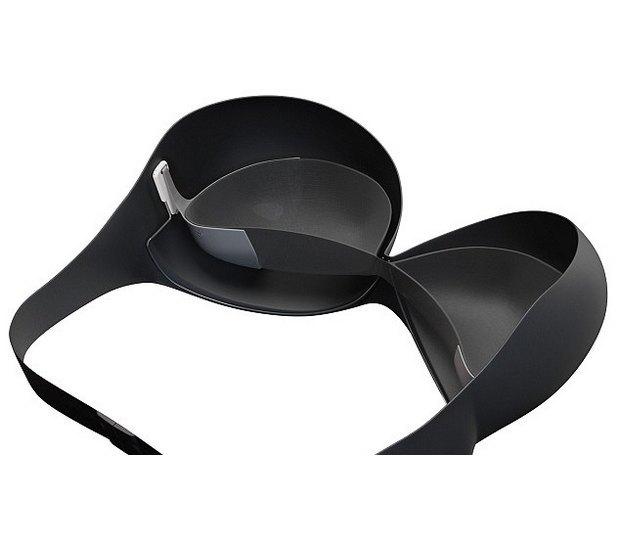 Нигерийский дизайнер создал магнитный бюстгальтер для поддержания больших грудей. Изображение № 3.