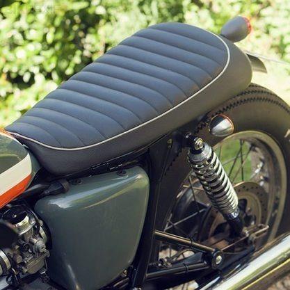 Французский механик собрал кастом культовой модели Triumph Bonneville T100. Изображение № 4.