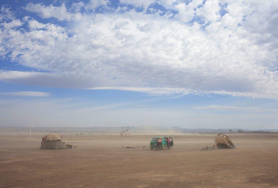 Как развлекаются посетители фестиваля Burning Man в африканской пустыне. Изображение № 31.