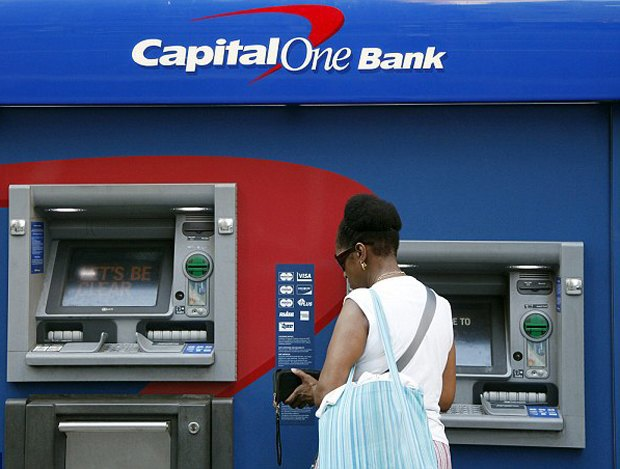 Пятерых хакеров арестовали за ограбление банков на 45 миллионов долларов . Изображение № 1.