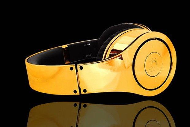 Beats by Dr. Dre поздравили сборную Германии золотыми наушниками. Изображение № 1.