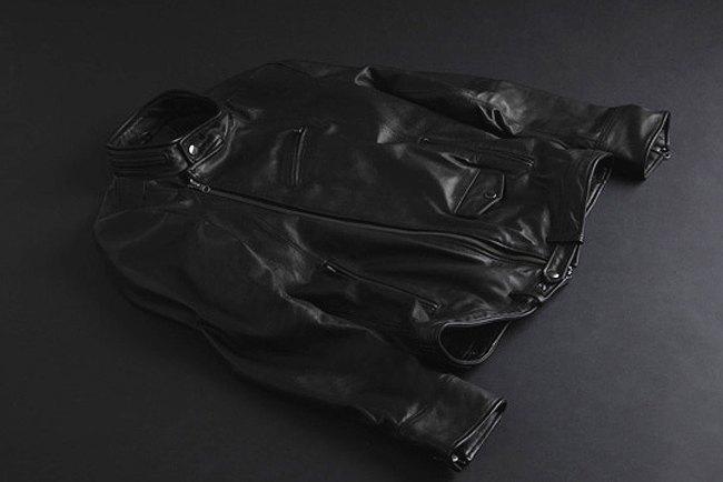 Как марки уличной одежды экспериментируют с мотоэкипировкой  . Изображение № 8.