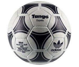 От T-Model до Brazuca: История и эволюция мячей чемпионатов мира. Изображение № 12.
