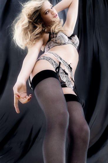 Голландская модель Валери Ван Дер Граф снялась в рекламе марки Agent Provocateur . Изображение № 5.