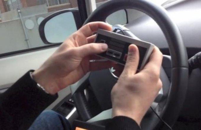 Хакеры научились управлять автомобилем с помощью джойстика. Изображение № 1.