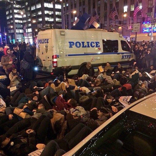 Как смерть Эрика Гарнера послужила началом протестов в Нью-Йорке . Изображение № 2.