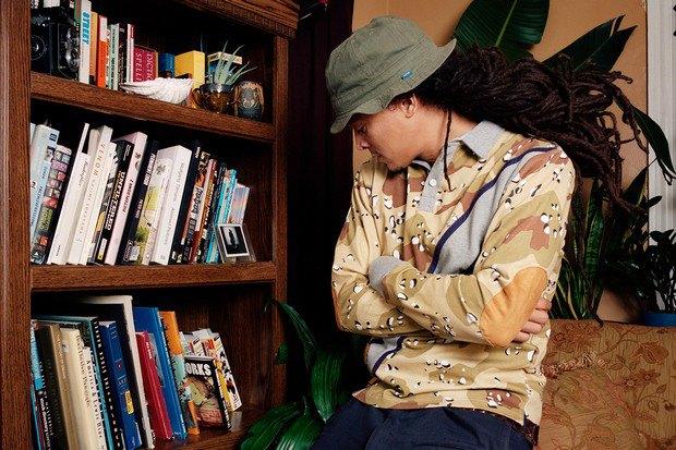 Американский ритейлер Вodega опубликовал лукбук весенней коллекции одежды. Изображение № 7.
