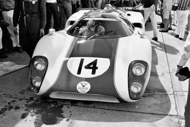 Гоночный автомобиль Lola T70 из фильма «Ле-Ман» со Стивом Маккуином выставлен на аукцион. Изображение № 1.