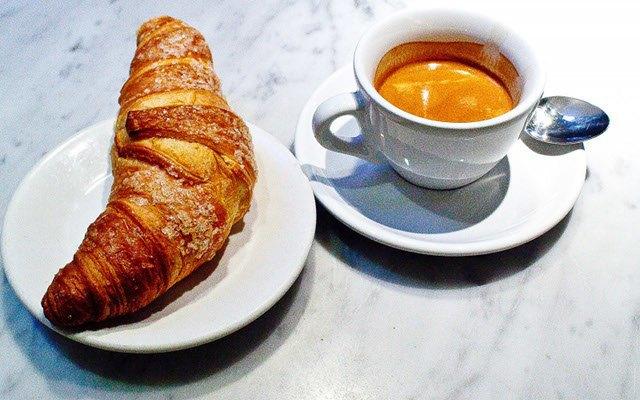 Итальянец притворялся мафиози ради бесплатных булочек и кофе. Изображение № 1.