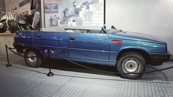 Репортаж с выставки машин Джеймса Бонда. Изображение № 19.