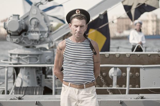Детали: Моряки и корабли на Дне ВМФ в Санкт-Петербурге. Изображение № 1.