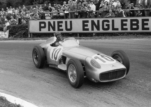 Легендарный болид «Формулы-1» Mercedes-Benz W196 1954 года выставлен на аукцион. Изображение № 1.