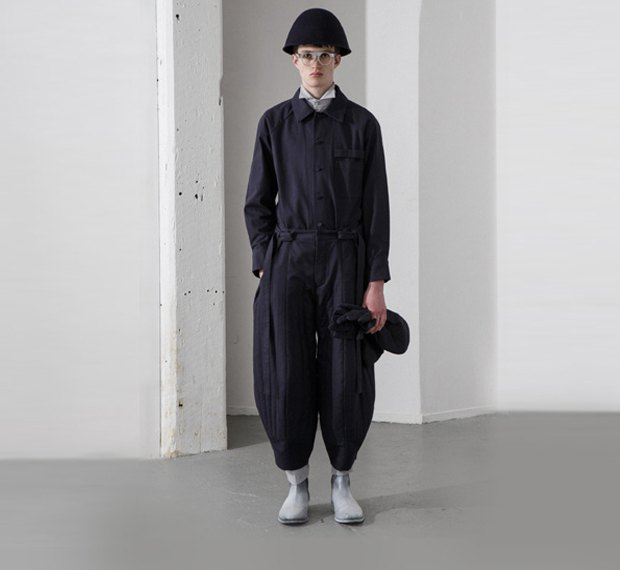 Молодой китайский дизайнер выпустила коллекцию одежды для рабочих, врачей и мясников. Изображение № 2.