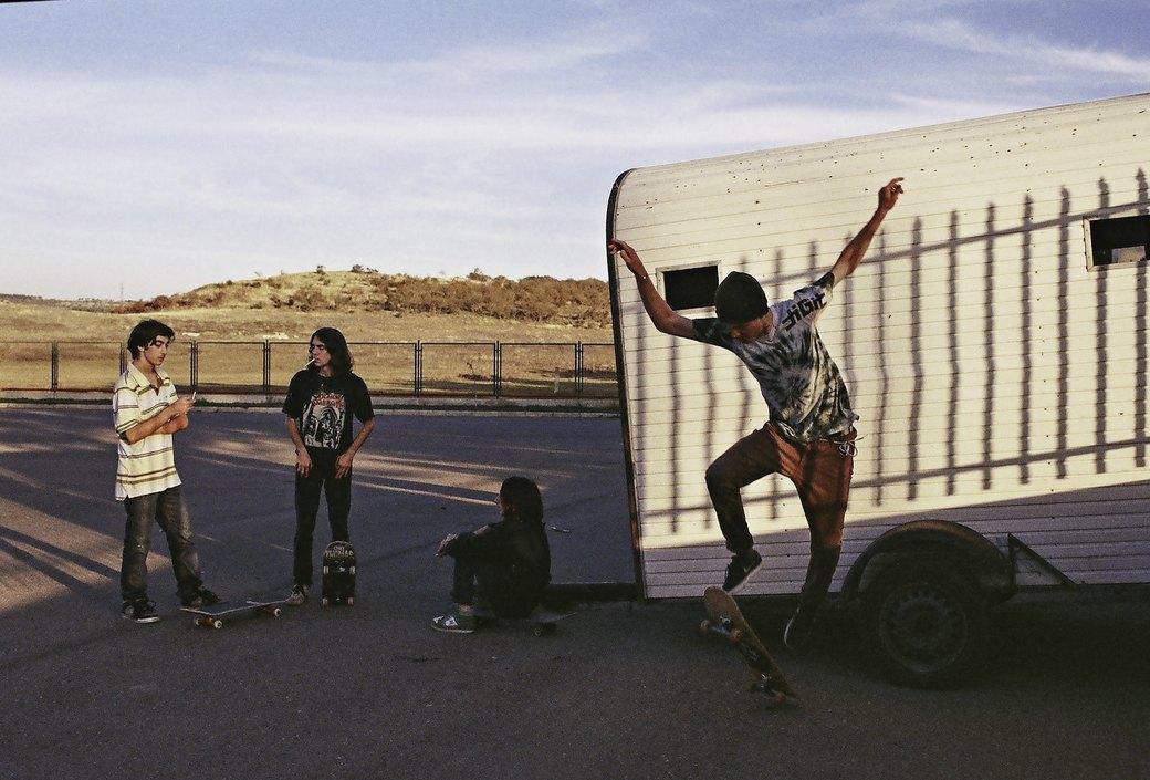 «Когда земля кажется лёгкой»: Грузинские скейтеры в фотографиях Давида Месхи. Изображение № 8.