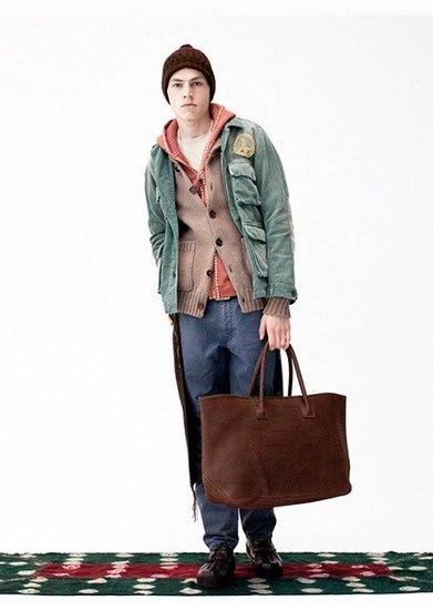 Японская марка Visvim опубликовала лукбук осенней коллекции одежды. Изображение № 17.