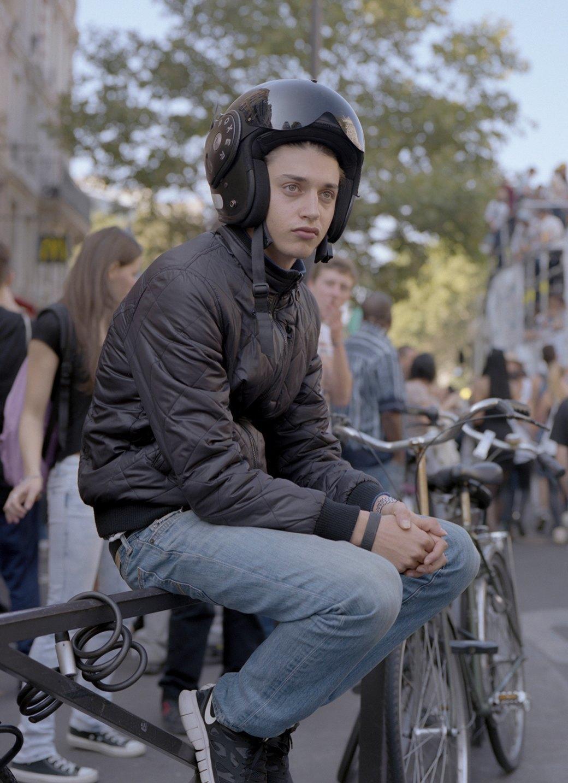 Фотопроект: Парижские гопники захватывают центр города ради техно-рейва. Изображение № 4.