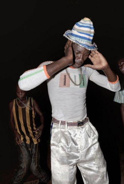 Мы хотим танцевать: Как выглядит сельская дискотека в Африке. Изображение № 21.