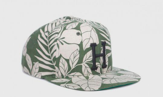 Американские марки HUF и Starter выпустили совместную коллекцию кепок. Изображение № 2.