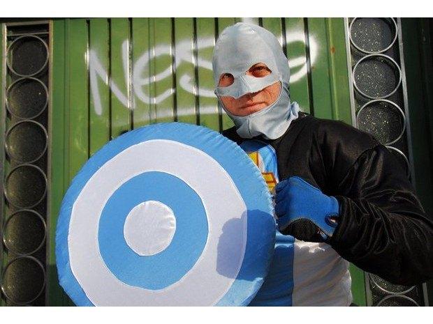 Аргентинская полиция арестовала местного «супергероя». Изображение № 3.