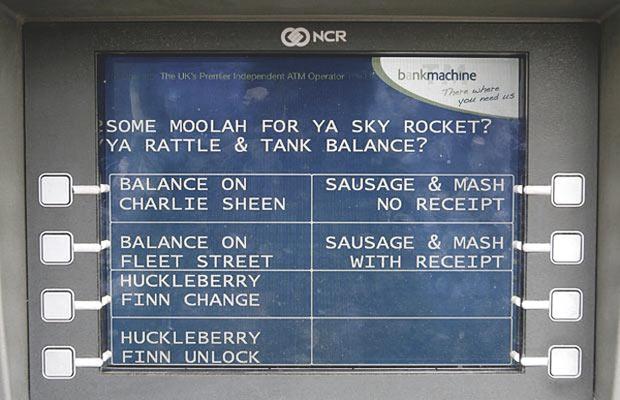 Несколько лет назад в Лондоне даже установили банкоматы для туристов, меню в которых было полностью на «кокни».. Изображение № 3.