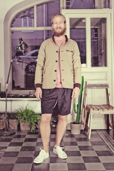 Марка Uniforms for the Dedicated опубликовала лукбук весенней коллекции одежды. Изображение № 16.