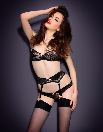 Австралийская модель Сара Стивенс снялась в рекламе Agent Provocateur . Изображение № 32.