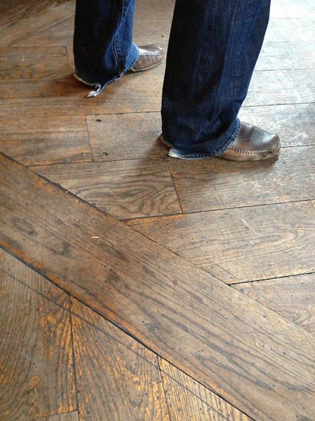 Jeans and Sheuxsss: Еженедельные обзоры худших сочетаний обуви и джинсов. Изображение № 5.
