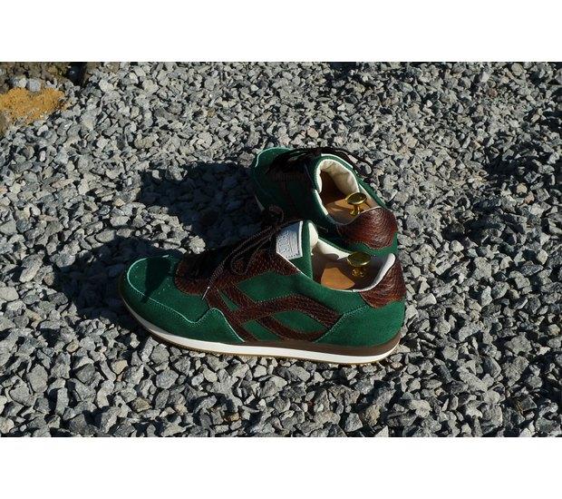 Марка AFOUR и магазин Zefear представили совместную коллекцию кроссовок. Изображение № 12.