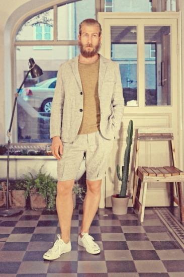 Марка Uniforms for the Dedicated опубликовала лукбук весенней коллекции одежды. Изображение № 10.