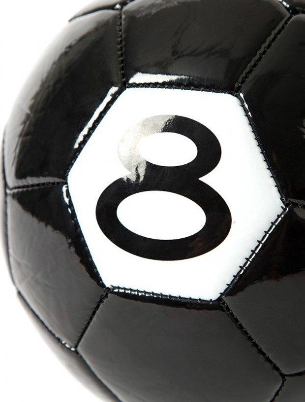 Марка Stussy выпустила мяч к чемпионату мира по футболу. Изображение № 2.