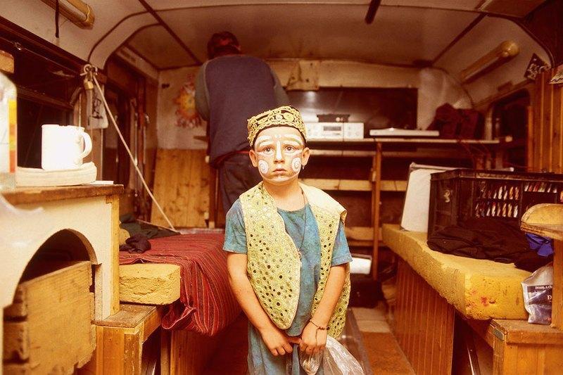 Бесконечное лето: Кочевая жизнь рейверов 1990-х. Изображение № 13.