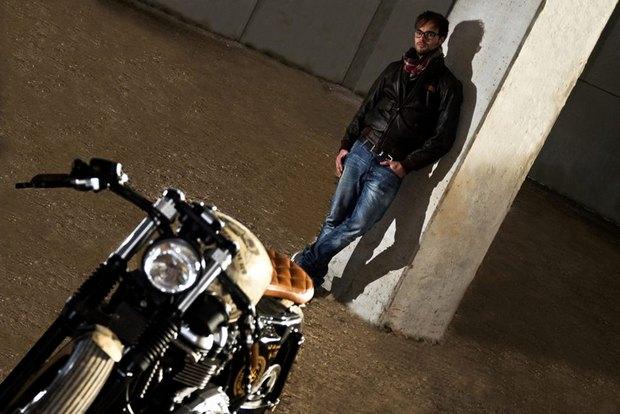 Итальянская мастерская Centro Modo Lodi представила «королевский» кастом модели Triumph Thruxton. Изображение № 9.