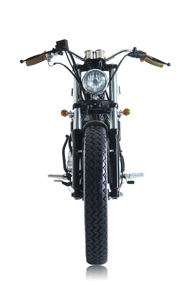 Мастерская Deus Ex Machina собрала новый мотоцикл на базе Yamaha SR400. Изображение № 2.