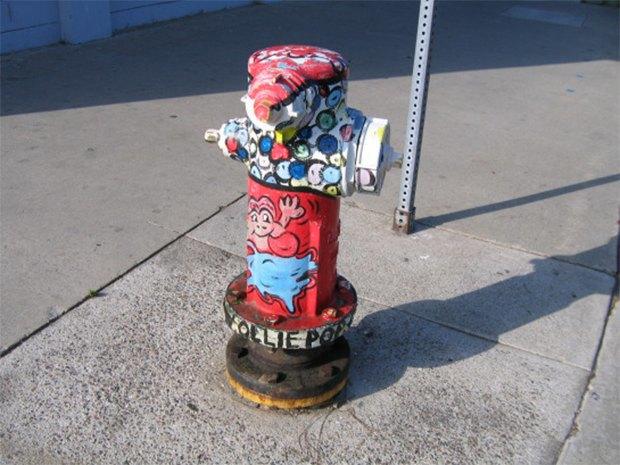 Уличные скульптуры, созданные неизвестными. Изображение № 21.