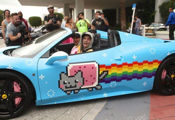 Ferrari заставила Deadmau5 перекрасить его автомобиль Nyan Cat. Изображение № 1.
