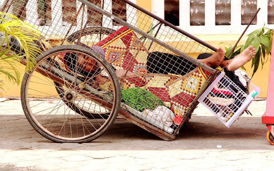 Две девушки и один мотоцикл: Путешествие по Камбодже. Изображение № 11.