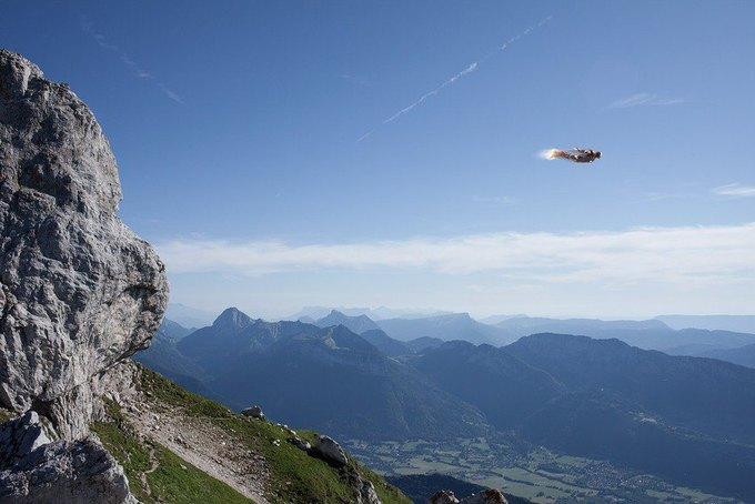 Одиночество — скука: Одинокие супергерои во французских Альпах. Изображение № 8.