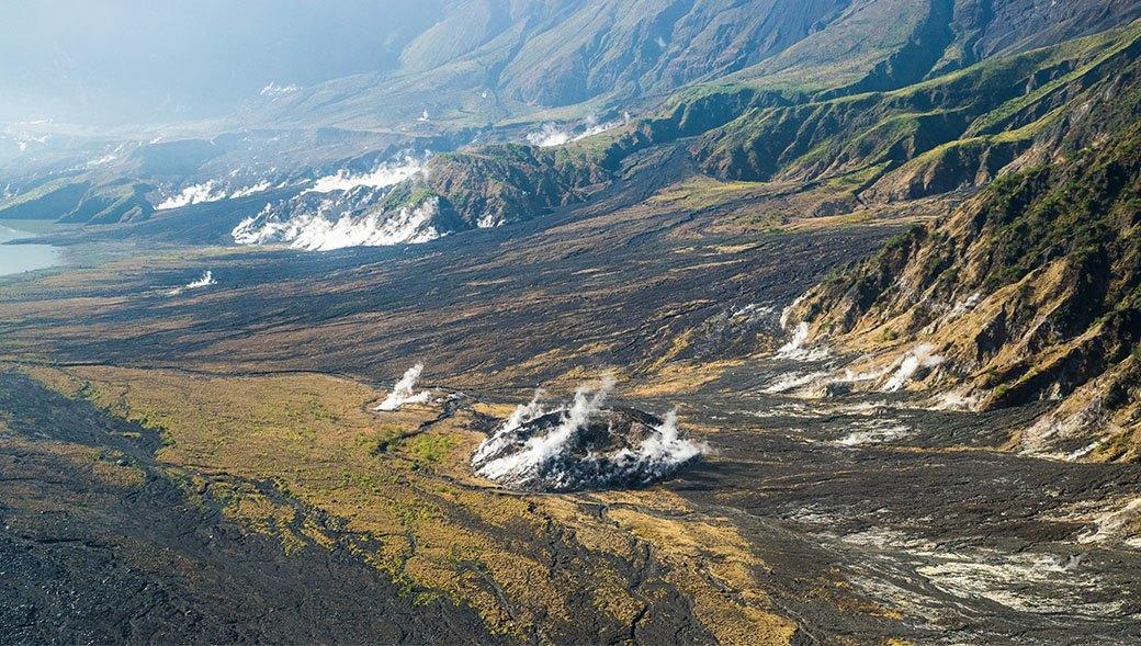Тамбора, великий и ужасный: Как мы спустились на парапланах в кратер действующего вулкана. Изображение № 19.