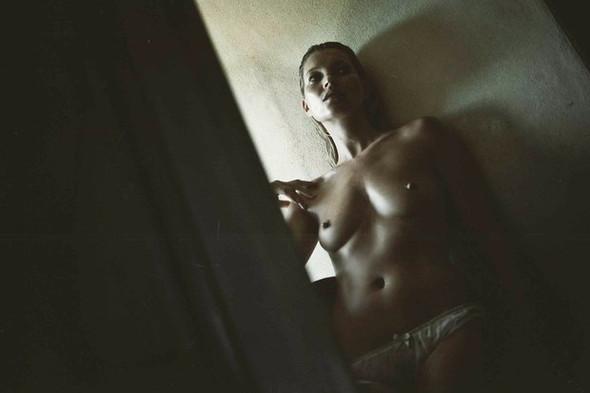 10 эротических календарей на 2012 год. Изображение № 111.