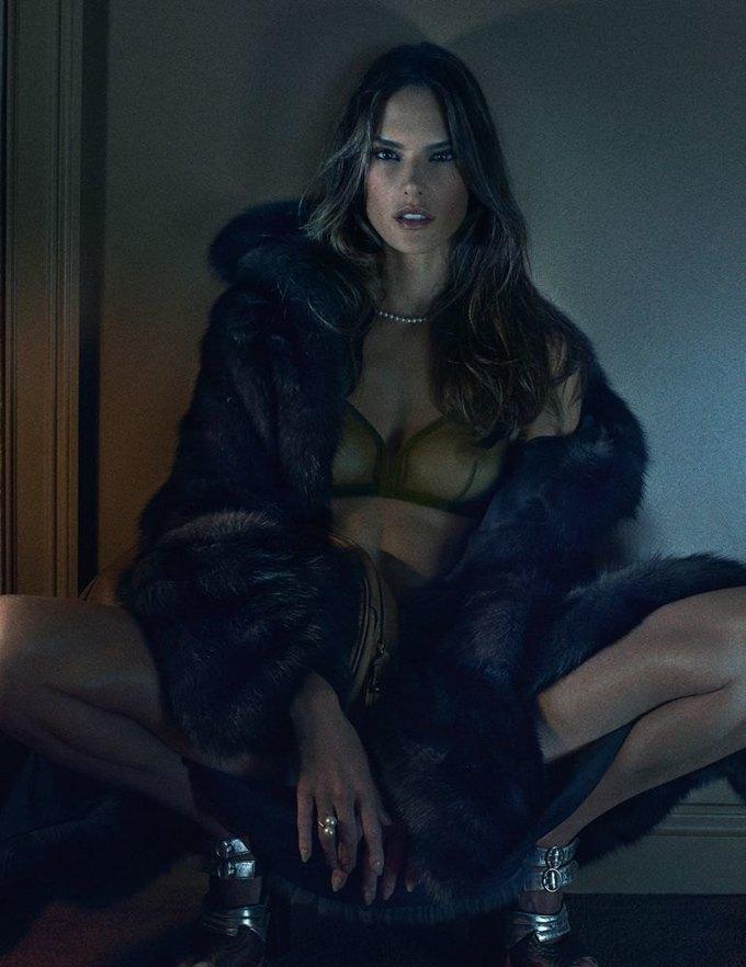 «Ангелы» Victoria's Secret снялись обнажёнными для журнала Interview. Изображение № 5.