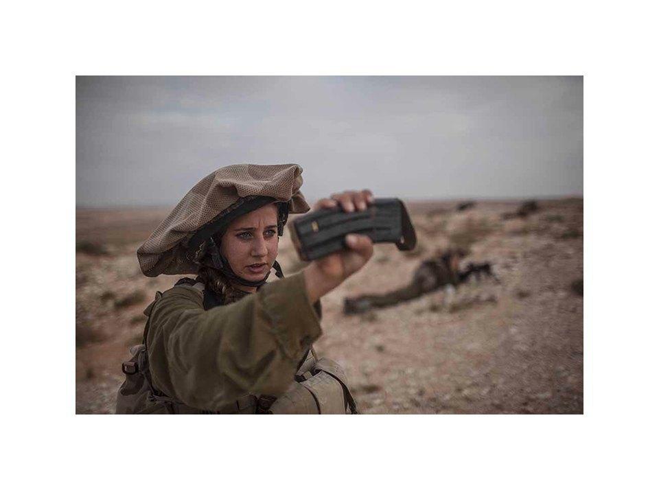 Фотопроект: Как служат женщины в армии Израиля. Изображение № 15.