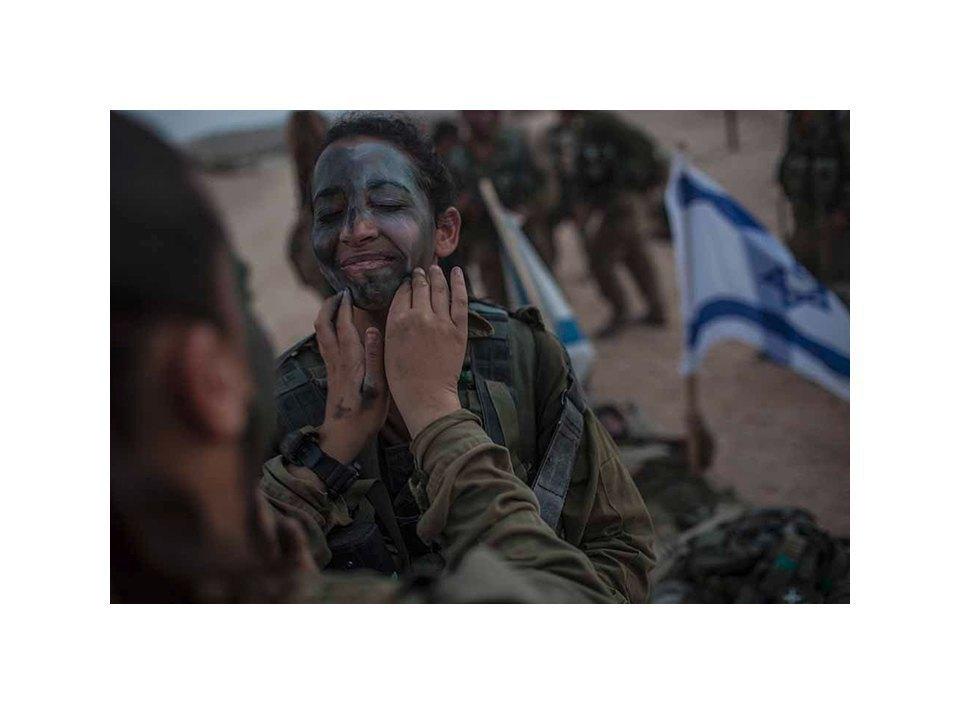 Фотопроект: Как служат женщины в армии Израиля. Изображение № 44.