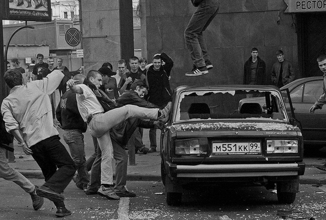 Почему власть не боится российских футбольных фанатов. Изображение № 2.