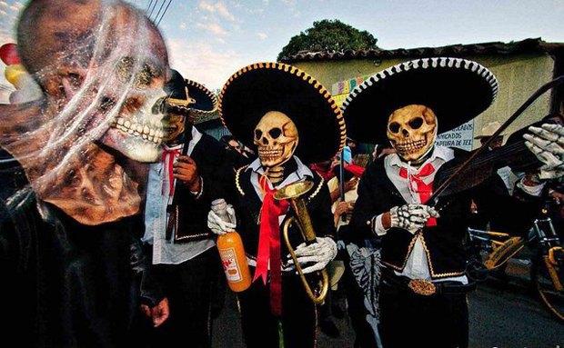 Мексиканские зомби ограбили ювелирный магазин. Изображение № 1.