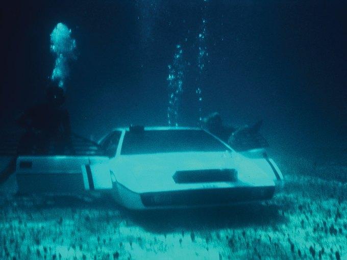 Автомобиль-подлодка Джеймса Бонда выставлен на аукцион. Изображение № 3.
