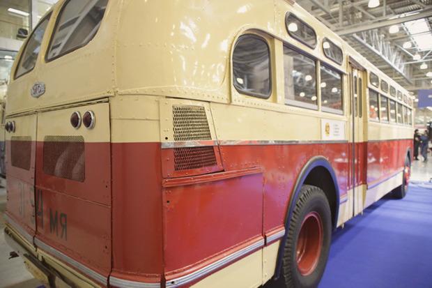 Машина времени: 8 лучших ретроавтомобилей с выставки «Олдтаймер». Изображение № 55.