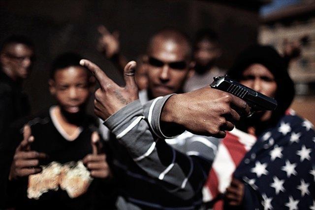 8 фотографов, исследовавших мир уличных банд. Изображение № 15.