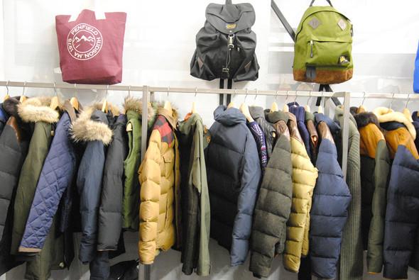 Куртки с кожаными вставками на плечах, которые так полюбились в том числе и российским покупателям, появятся у Penfield и следующей осенью. Изображение № 17.